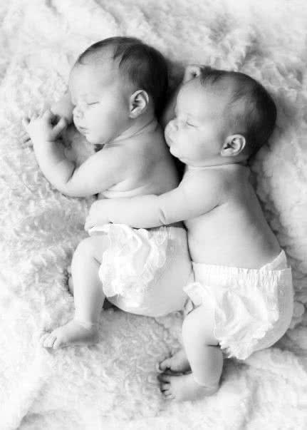 babies loving